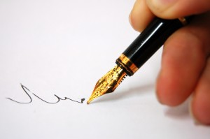 a-thoughtfull-pen-writing-3647581-2560-1702